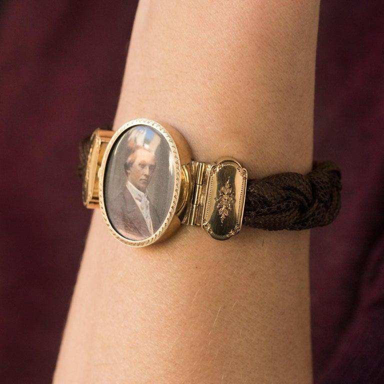19th Century Elegant Photography 18 Karat Yellow Gold Hair Bracelet For Sale 1
