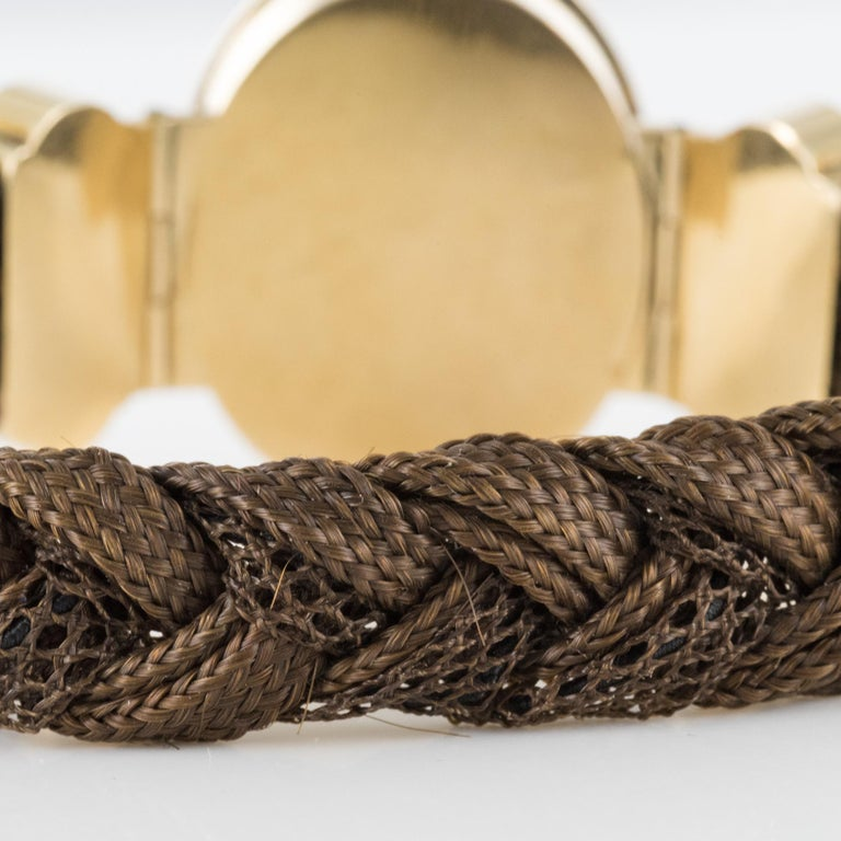 19th Century Elegant Photography 18 Karat Yellow Gold Hair Bracelet For Sale 4