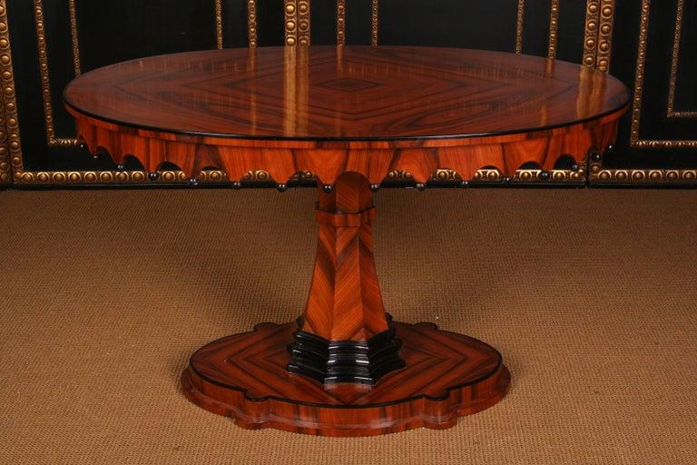 German 19th Century Elegant Oval Table in Biedermeier Style with Exotic Rosewood Veneer For Sale