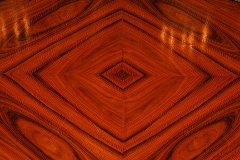19th Century Elegant Oval Table in Biedermeier Style with Exotic Rosewood Veneer For Sale 3