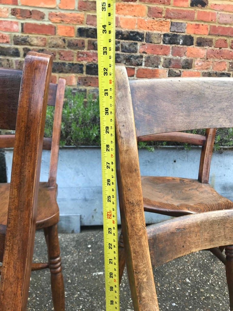 Country Harlequin Set Of Eight 19th Century Elm and Beech Windsor Bar Back Chairs For Sale