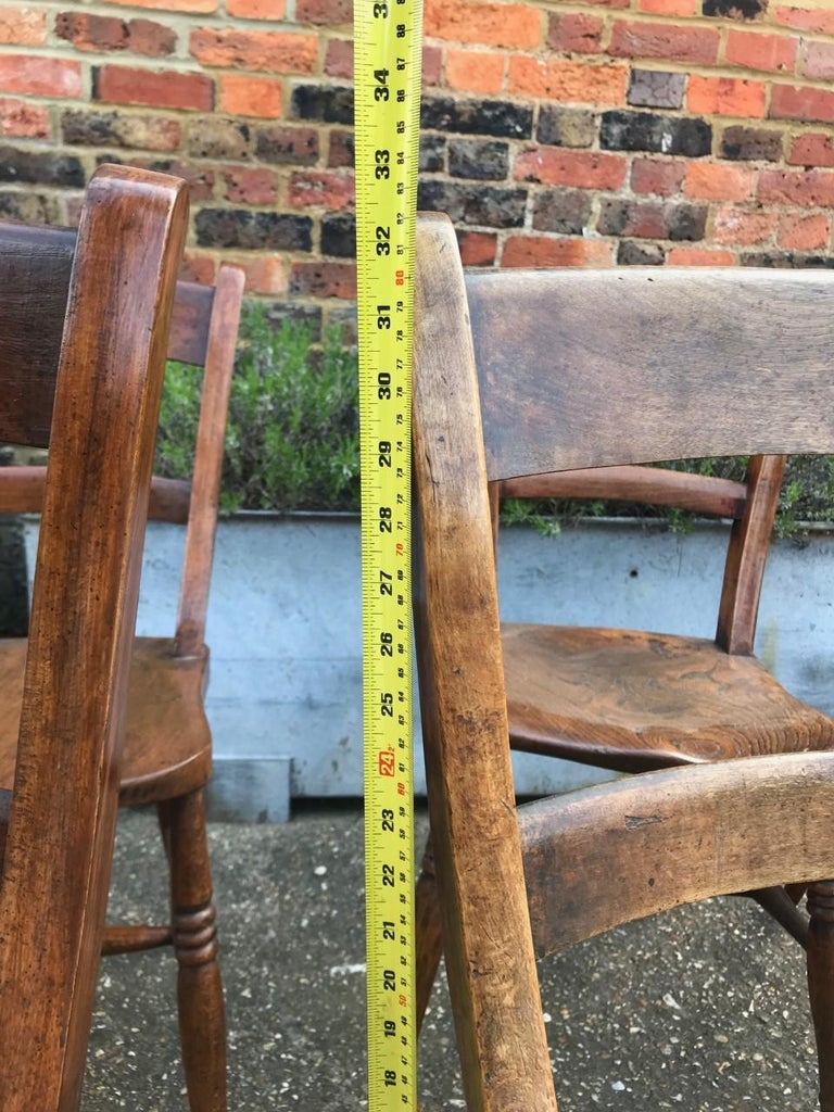 British Harlequin Set Of Eight 19th Century Elm and Beech Windsor Bar Back Chairs For Sale