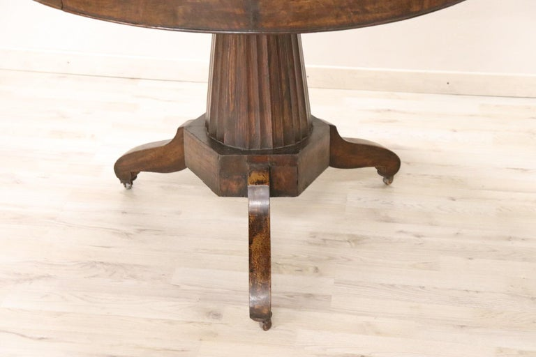 19th Century Empire Walnut Round Centre Table For Sale 1