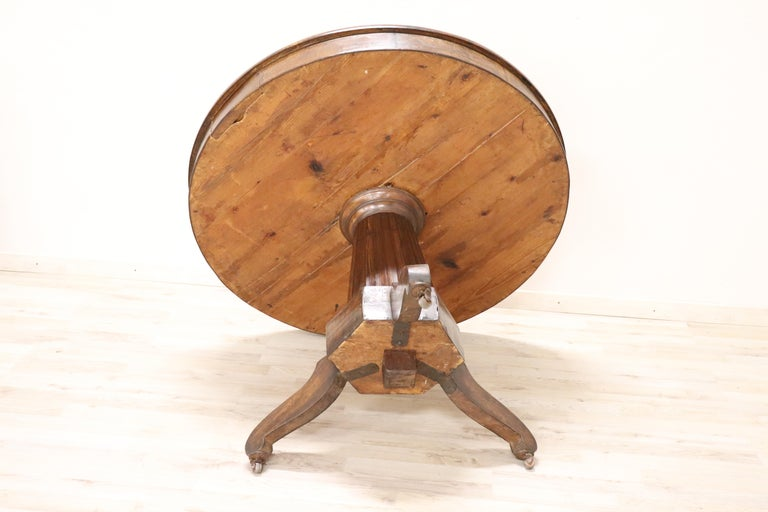 19th Century Empire Walnut Round Centre Table For Sale 3