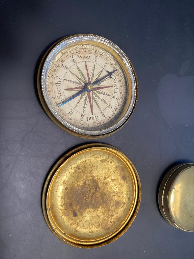Georgian 19th Century English Brass Pocket Box Compass For Sale