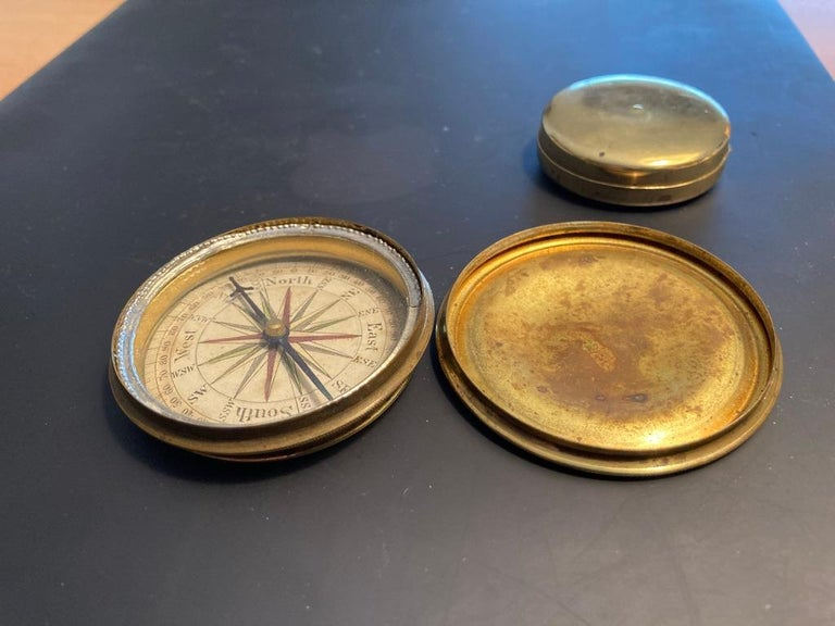 19th Century English Brass Pocket Box Compass In Good Condition For Sale In Stamford, CT