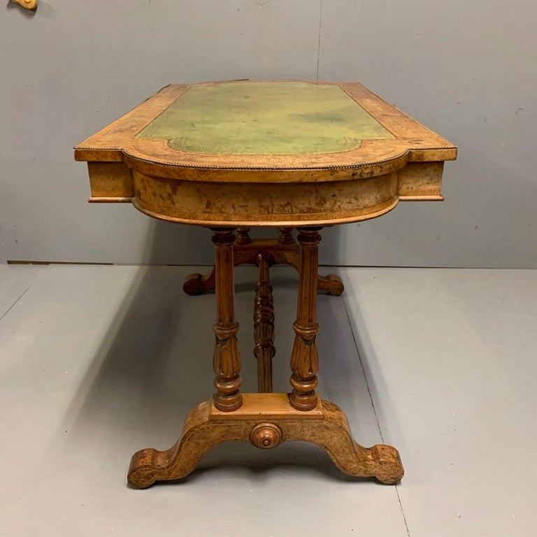 19th Century English Burr Walnut Writing Table with Sage Green Leather Top In Good Condition For Sale In Uppingham, Rutland