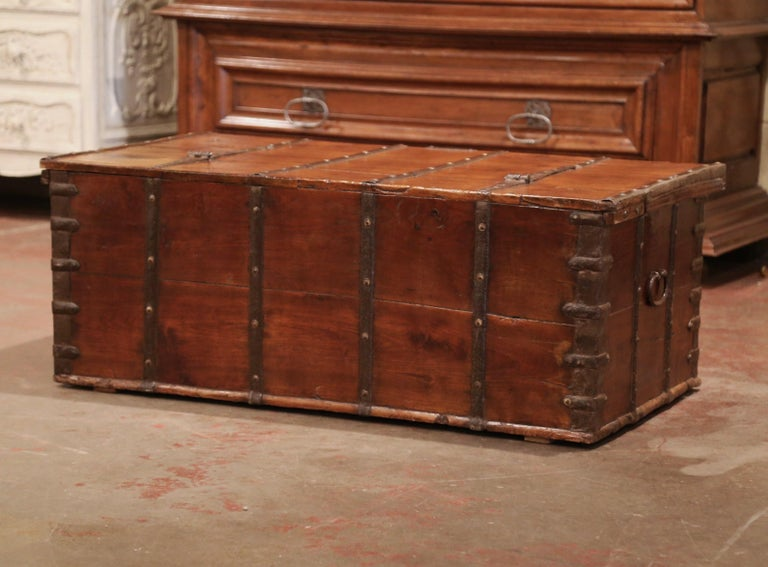 19th Century English Chestnut and Wrought Iron Strapping Coffee Table Trunk For Sale 3