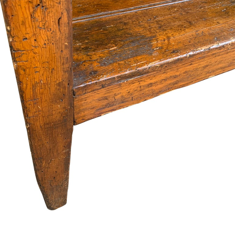 19th Century English Cricket Table with Shelf In Good Condition For Sale In Chicago, IL