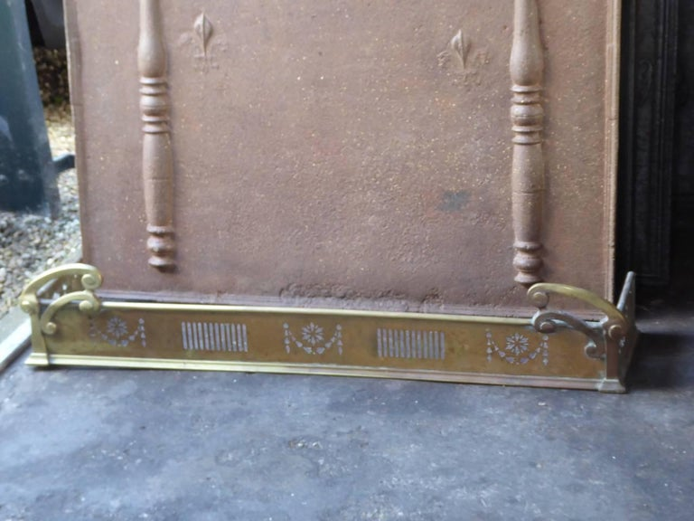 Victorian 19th Century English Fireplace Fender For Sale