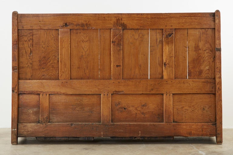 19th Century English Georgian Oak Box Settle Bench For Sale 15
