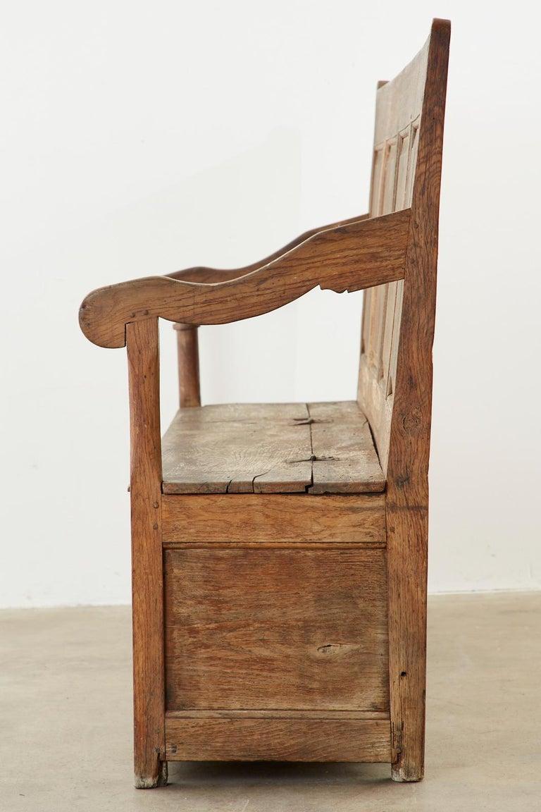 19th Century English Georgian Oak Box Settle Bench For Sale 1