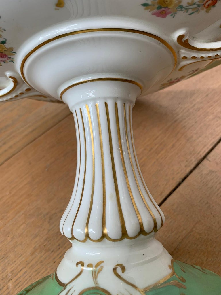 19th Century English Green & White Porcelain Compote with Gilt Details, Unmarked For Sale 9