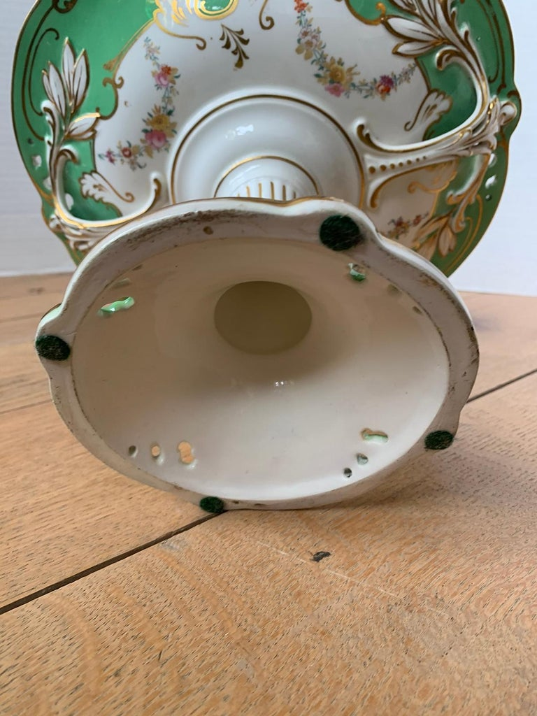 19th Century English Green & White Porcelain Compote with Gilt Details, Unmarked For Sale 11