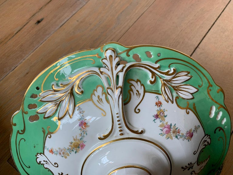 19th Century English Green & White Porcelain Compote with Gilt Details, Unmarked For Sale 2