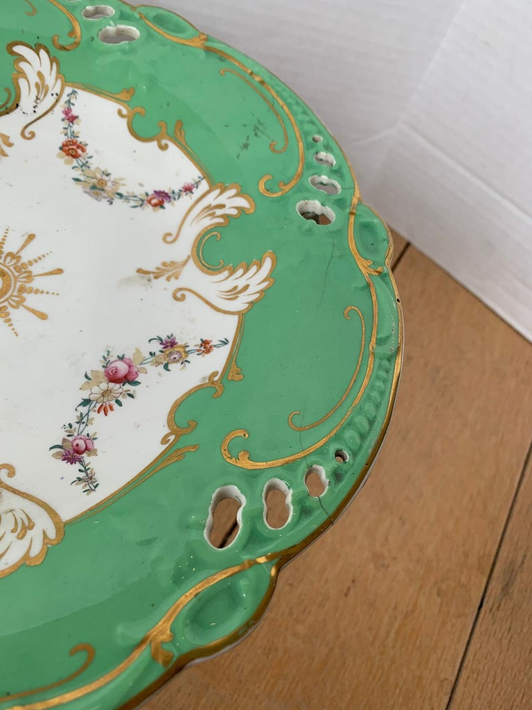 19th Century English Green & White Porcelain Compote with Gilt Details, Unmarked For Sale 3