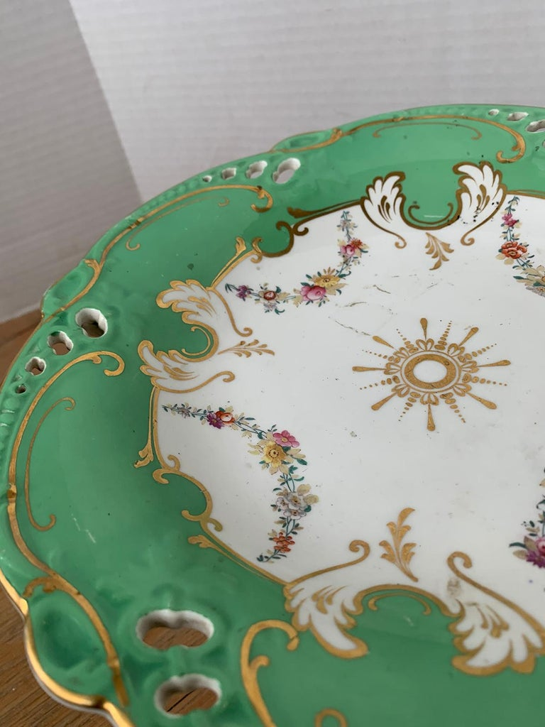19th Century English Green & White Porcelain Compote with Gilt Details, Unmarked For Sale 5