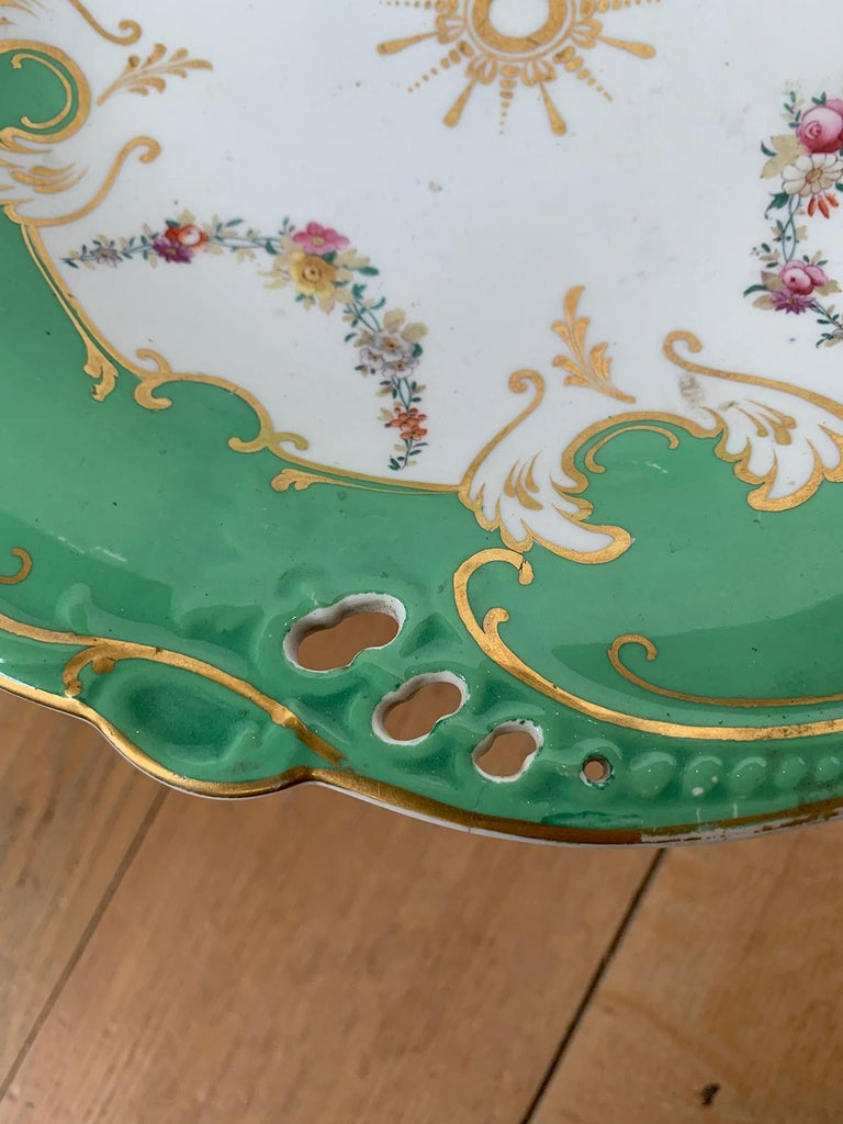 19th Century English Green & White Porcelain Compote with Gilt Details, Unmarked For Sale 6
