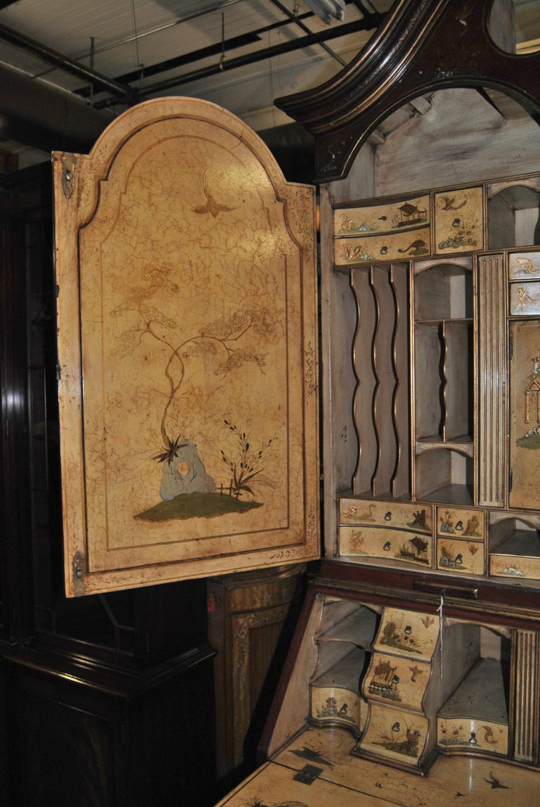 Giltwood 19th Century English Lacquered Gilt Chinoisoire Bookcase Secretary or Desk For Sale