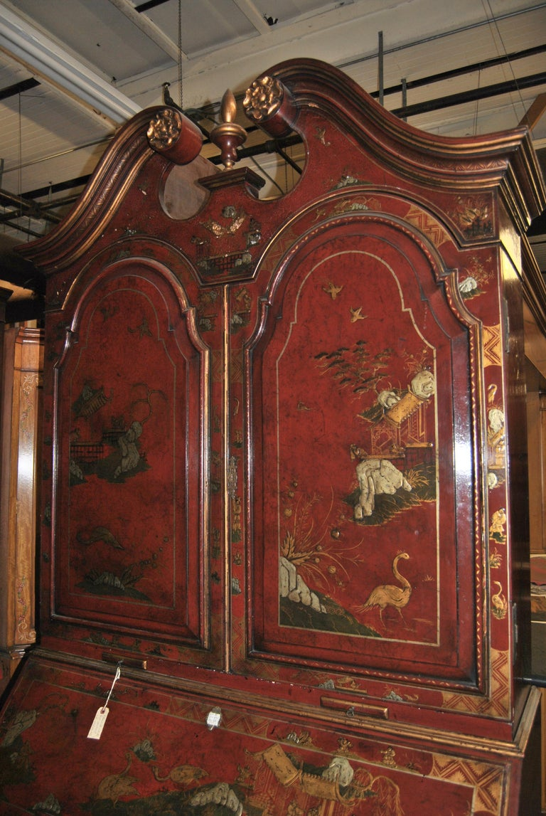 19th Century English Lacquered Gilt Chinoisoire Bookcase Secretary or Desk For Sale 3