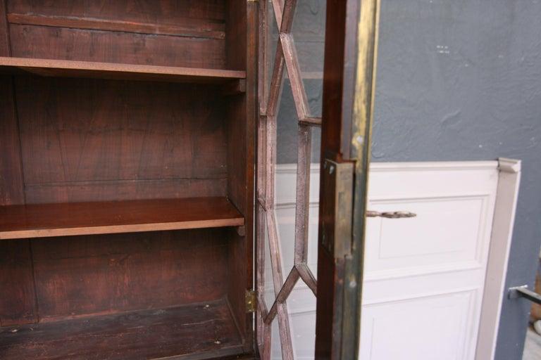 19th Century English Mahogany Bookcase Cabinet For Sale 7