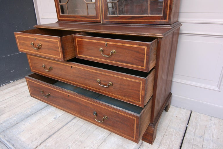19th Century English Mahogany Bookcase Cabinet In Fair Condition For Sale In Dusseldorf, DE