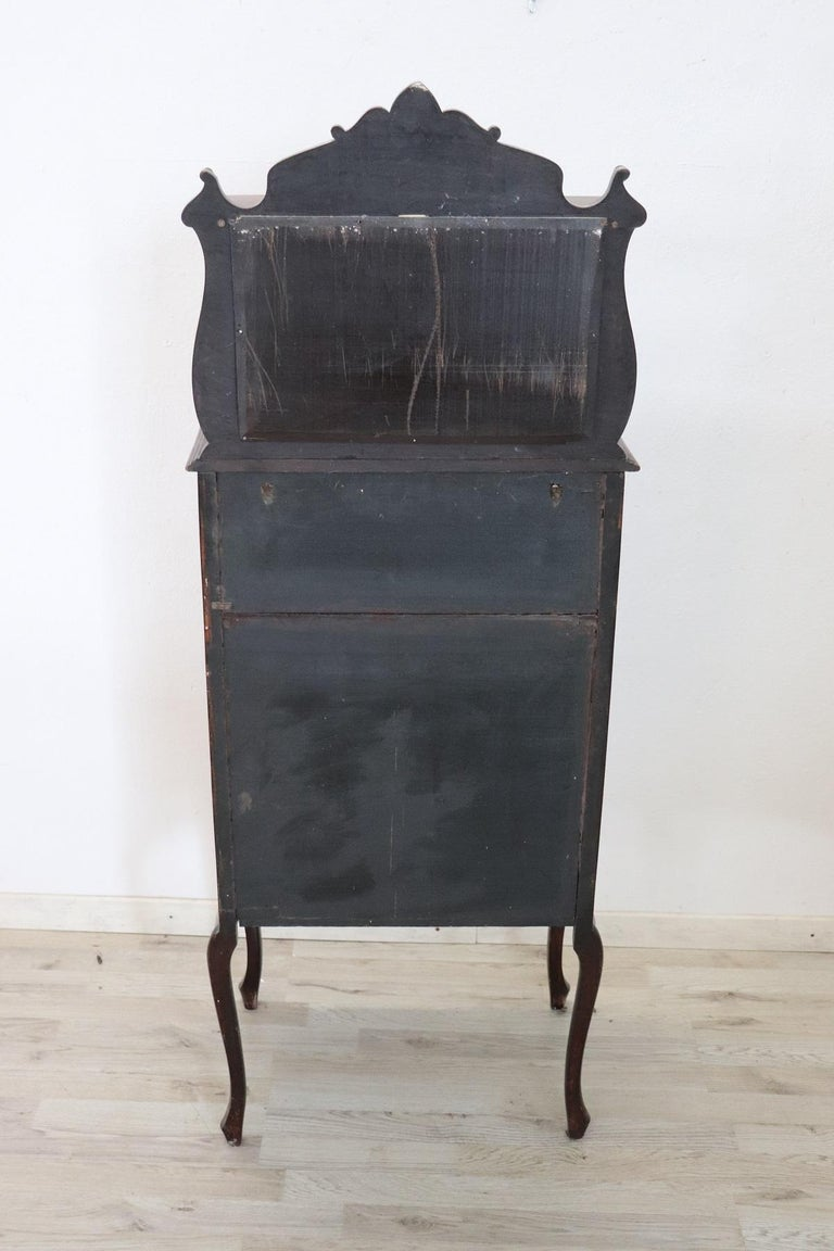 19th Century English Mahogany Carved Antique Vitrine or Display Cabinet For Sale 1