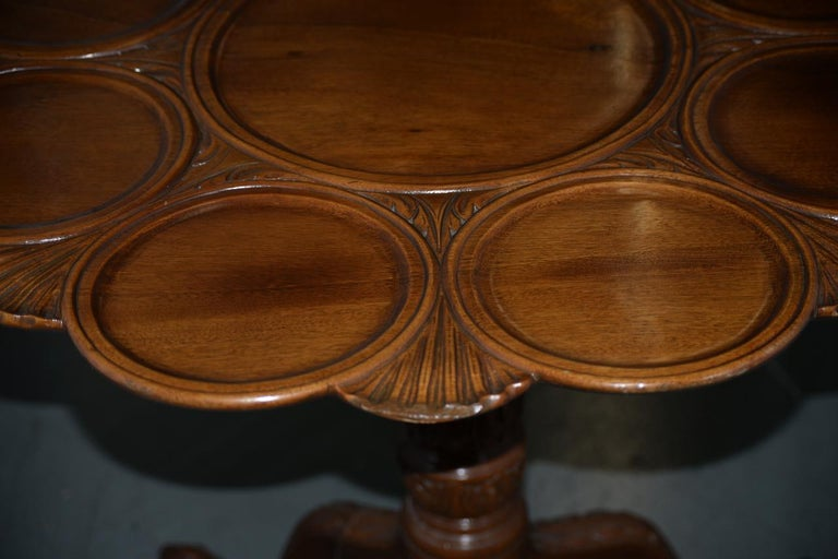 19th Century English Mahogany Tilt-Top Serving Table For Sale 1