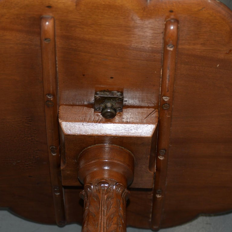 19th Century English Mahogany Tilt-Top Serving Table For Sale 5