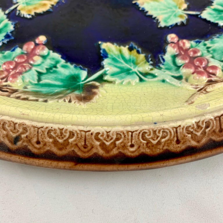 19th Century English Majolica Gothic Grapevine Theme Cheese Board or Bread Tray For Sale 1
