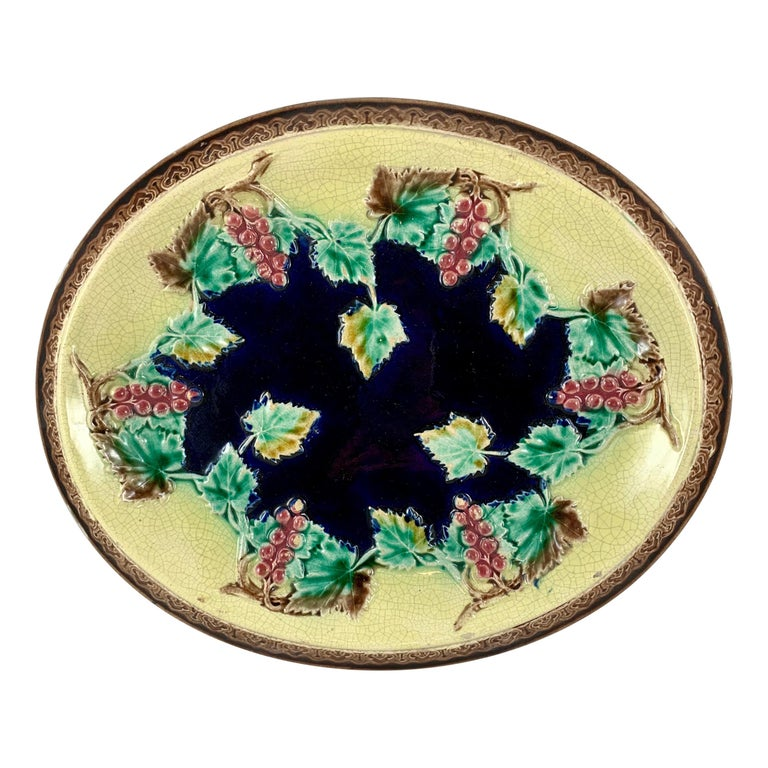 19th Century English Majolica Gothic Grapevine Theme Cheese Board or Bread Tray For Sale