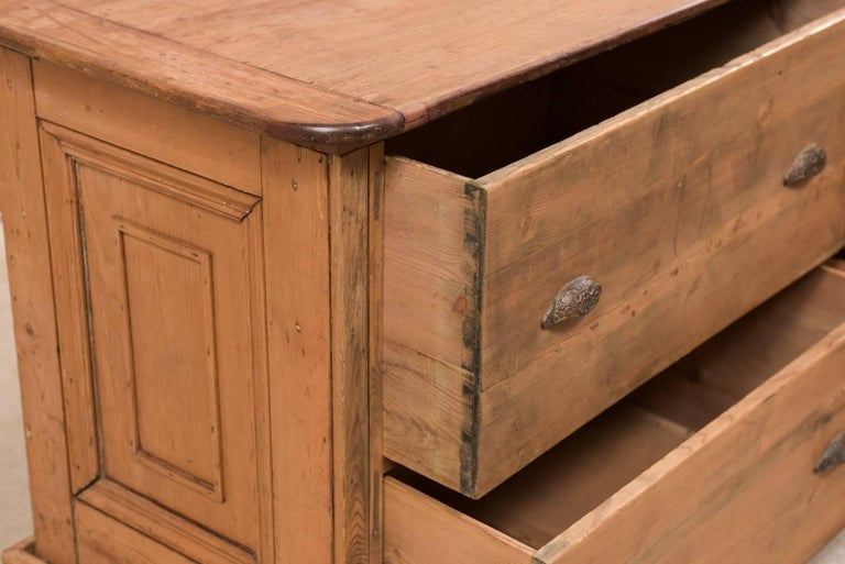 19th Century English Natural Wood Kitchen Island with Ample Storage For Sale 7
