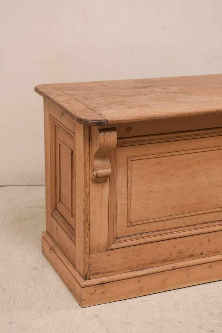 19th Century English Natural Wood Kitchen Island with Ample Storage In Good Condition For Sale In Atlanta, GA