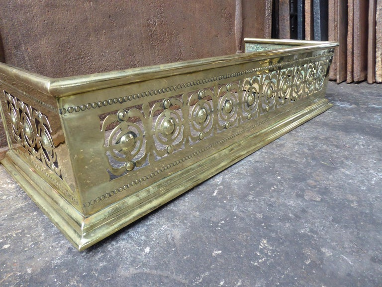 19th Century English Polished Brass Fireplace Fender or Fire Fender For Sale 1