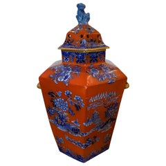 19th Century English Red and Blue Chinoiserie Lidded Potpourri, Foo Dog Finial