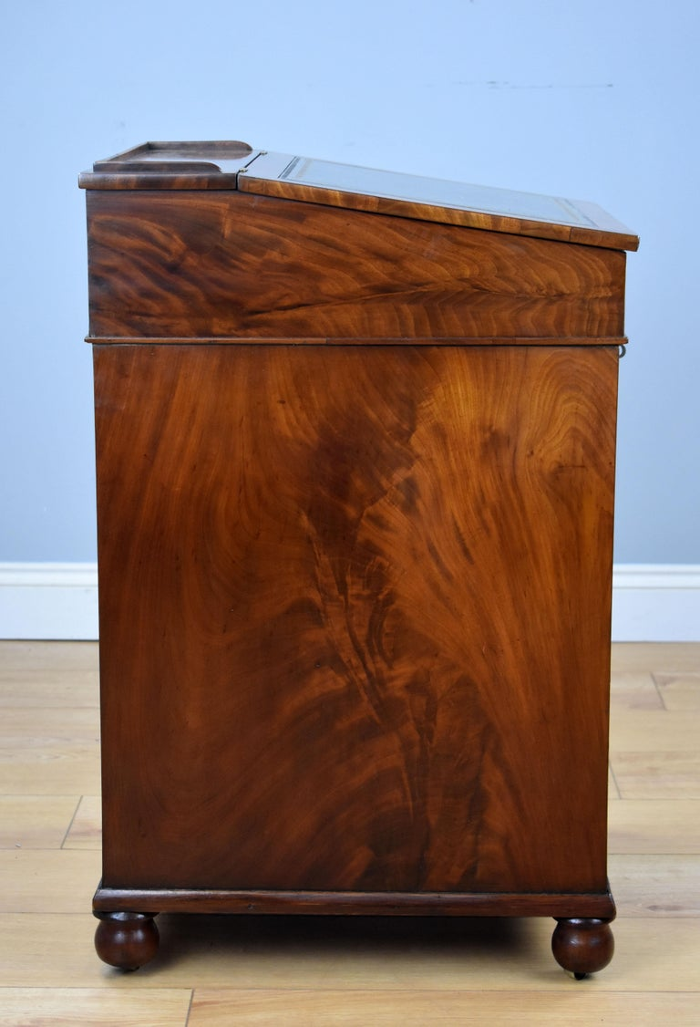 19th Century English Regency Period Flame Mahogany Davenport Desk by Wilkinson In Good Condition For Sale In Chelmsford, Essex