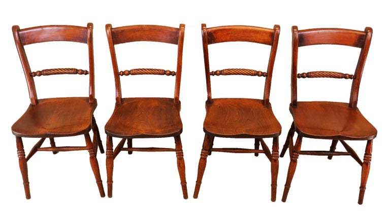 19th Century English Set of 8 Kitchen Windsor Dining Chairs For Sale 1
