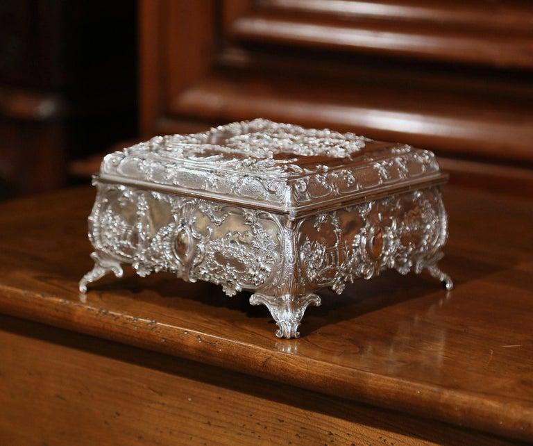 19th Century English Silver on Copper Ornate Embossed Sheffield Jewelry Casket For Sale 4