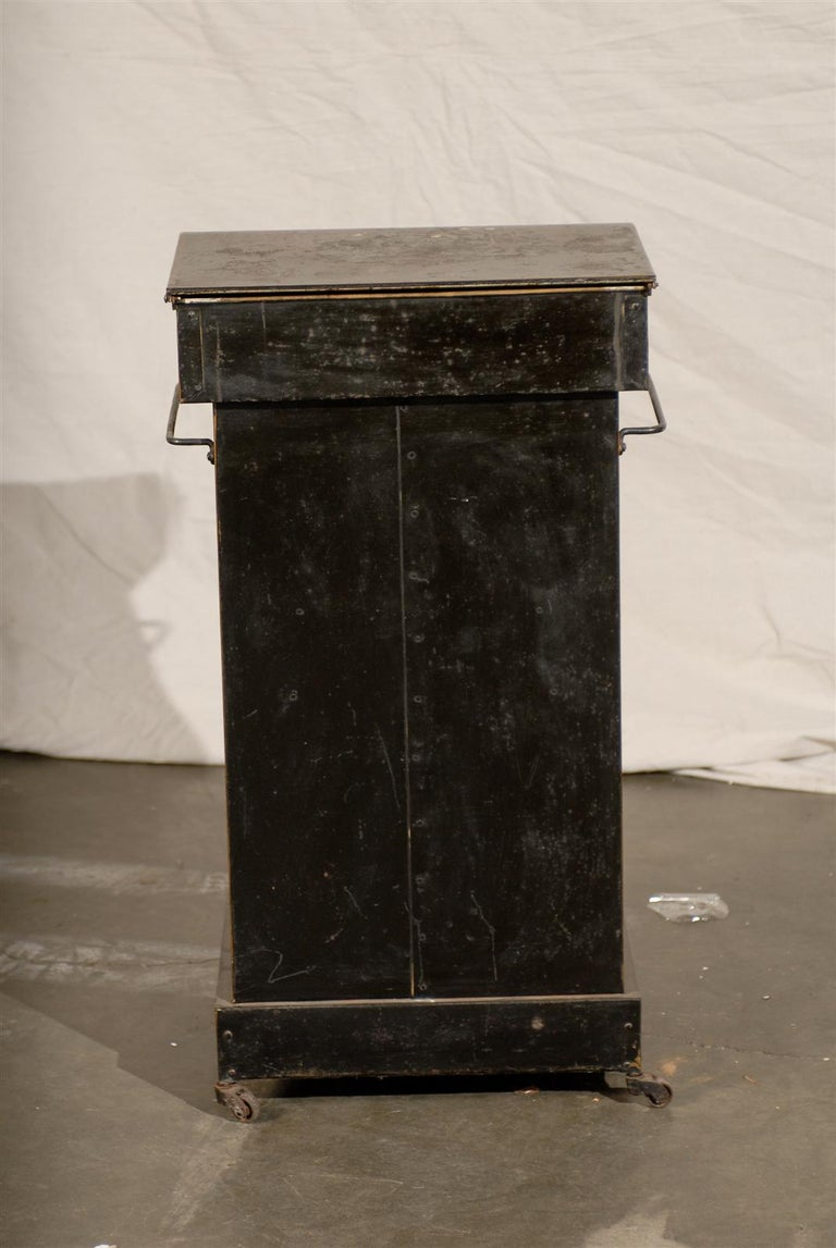 19th Century English Tole Chinoiserie Toilette, Lid Lifts For Sale 6