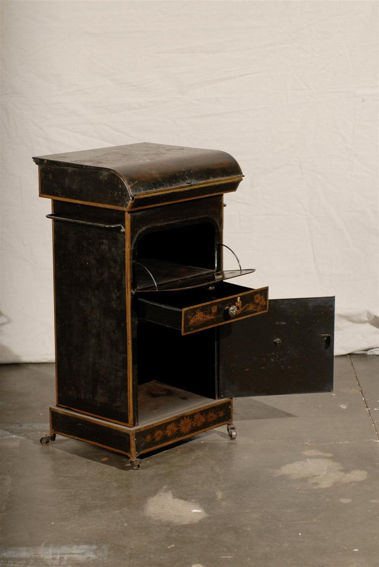 19th Century English Tole Chinoiserie Toilette, Lid Lifts For Sale 1