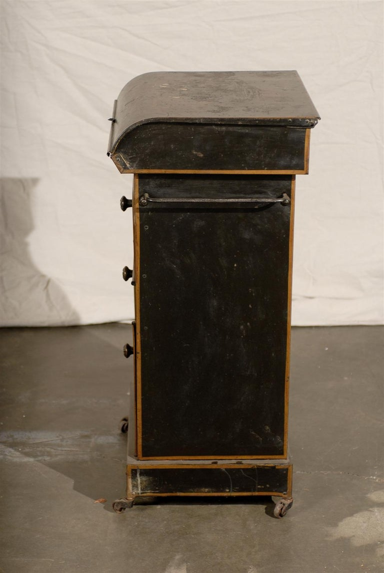 19th Century English Tole Chinoiserie Toilette, Lid Lifts For Sale 2