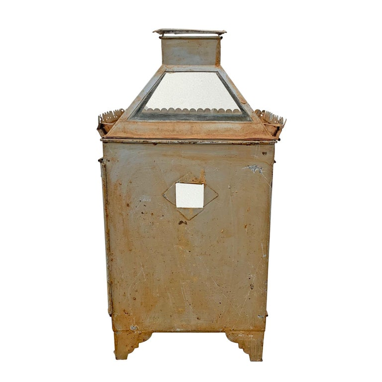 19th Century English Tole Wall-Mount Lantern For Sale 3