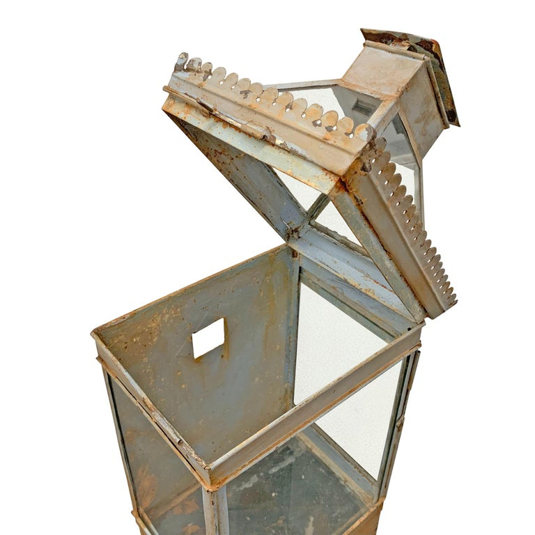19th Century English Tole Wall-Mount Lantern In Good Condition For Sale In Chicago, IL