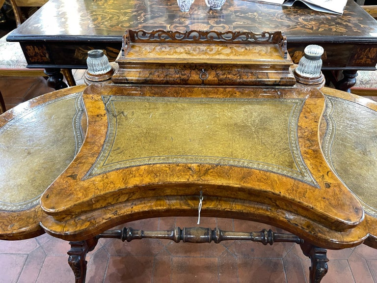 Early Victorian 19th Century English Victorian Burr Walnut Ladies Desk Writing Table, 1850 For Sale