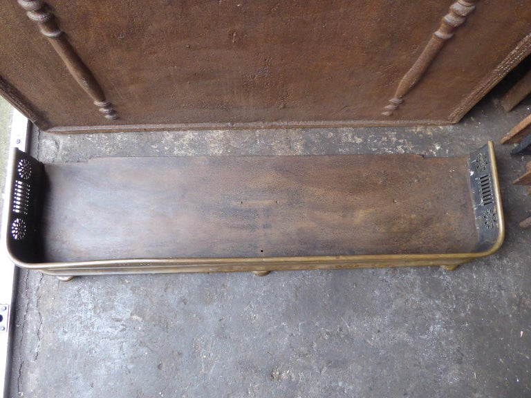 19th Century English Victorian Fireplace Fender or Fire Fender For Sale 5