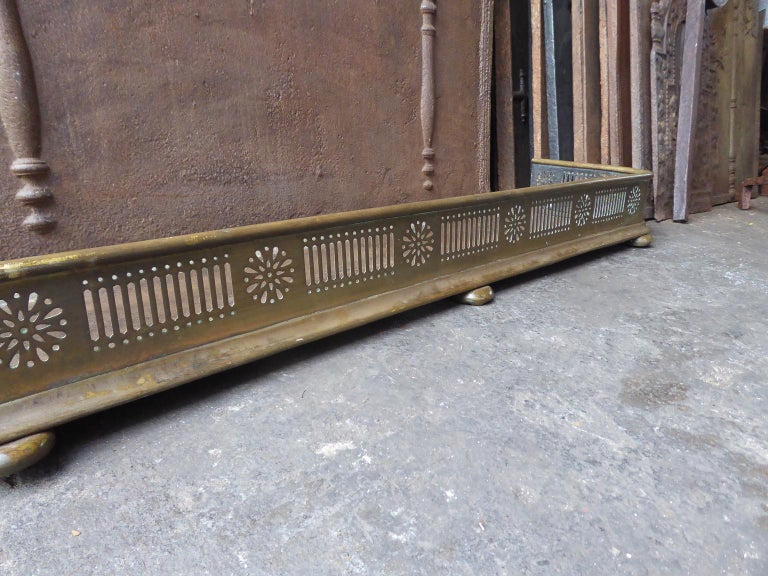 19th Century English Victorian Fireplace Fender or Fire Fender For Sale 1