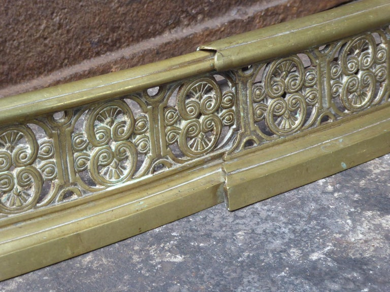 19th Century English Victorian Fireplace Fender or Fire Fender For Sale 3