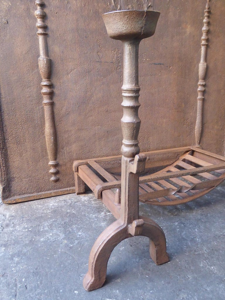 Cast 19th Century English Victorian Fireplace Grate or Fire Grate For Sale