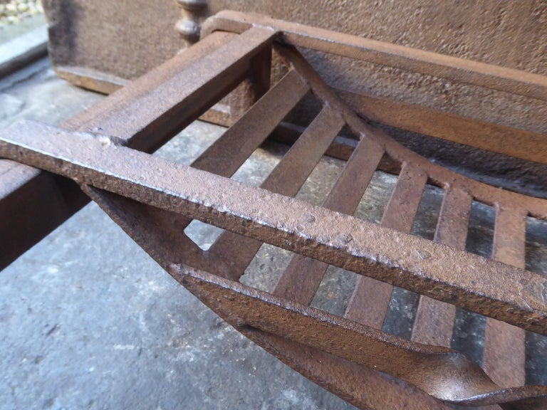 19th Century English Victorian Fireplace Grate or Fire Grate For Sale 2
