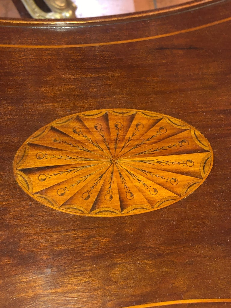 19th Century English Victorian Mahogany Inlay Table, 1890s For Sale 2